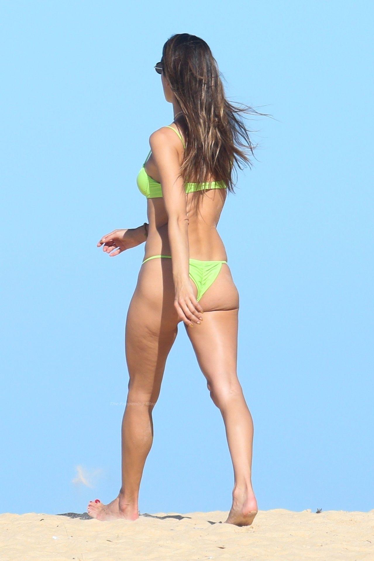 Alessandra-Ambrosio-Sexy-The-Fappening-Blog-931.jpg