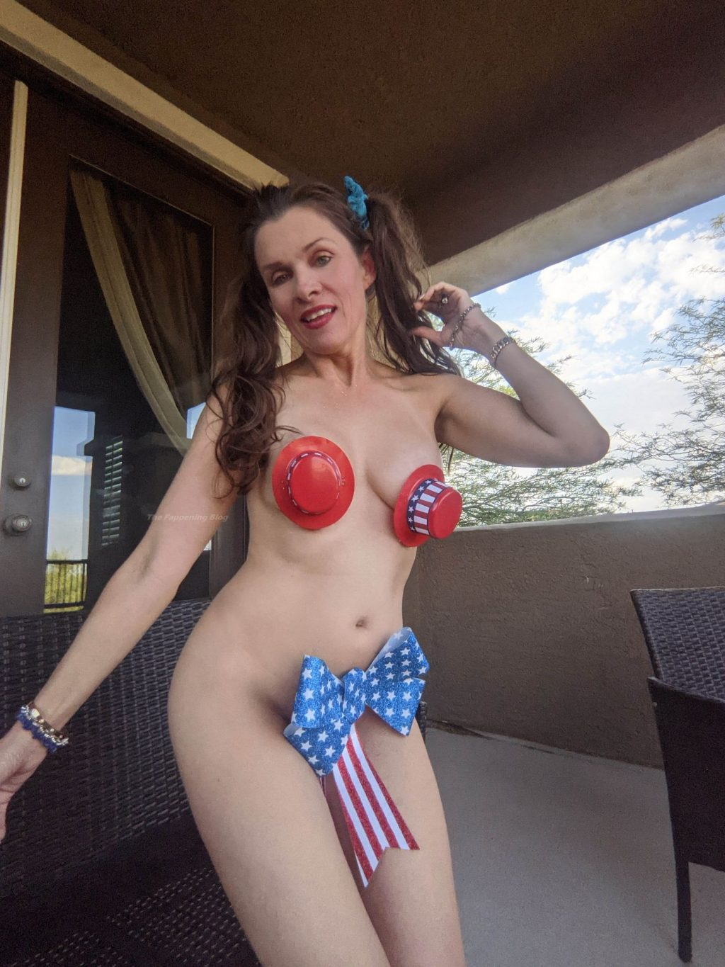 Alicia Arden Posts Some Risque And Bizarre 4th Of July Stuff For Her Fans (21 Photos)