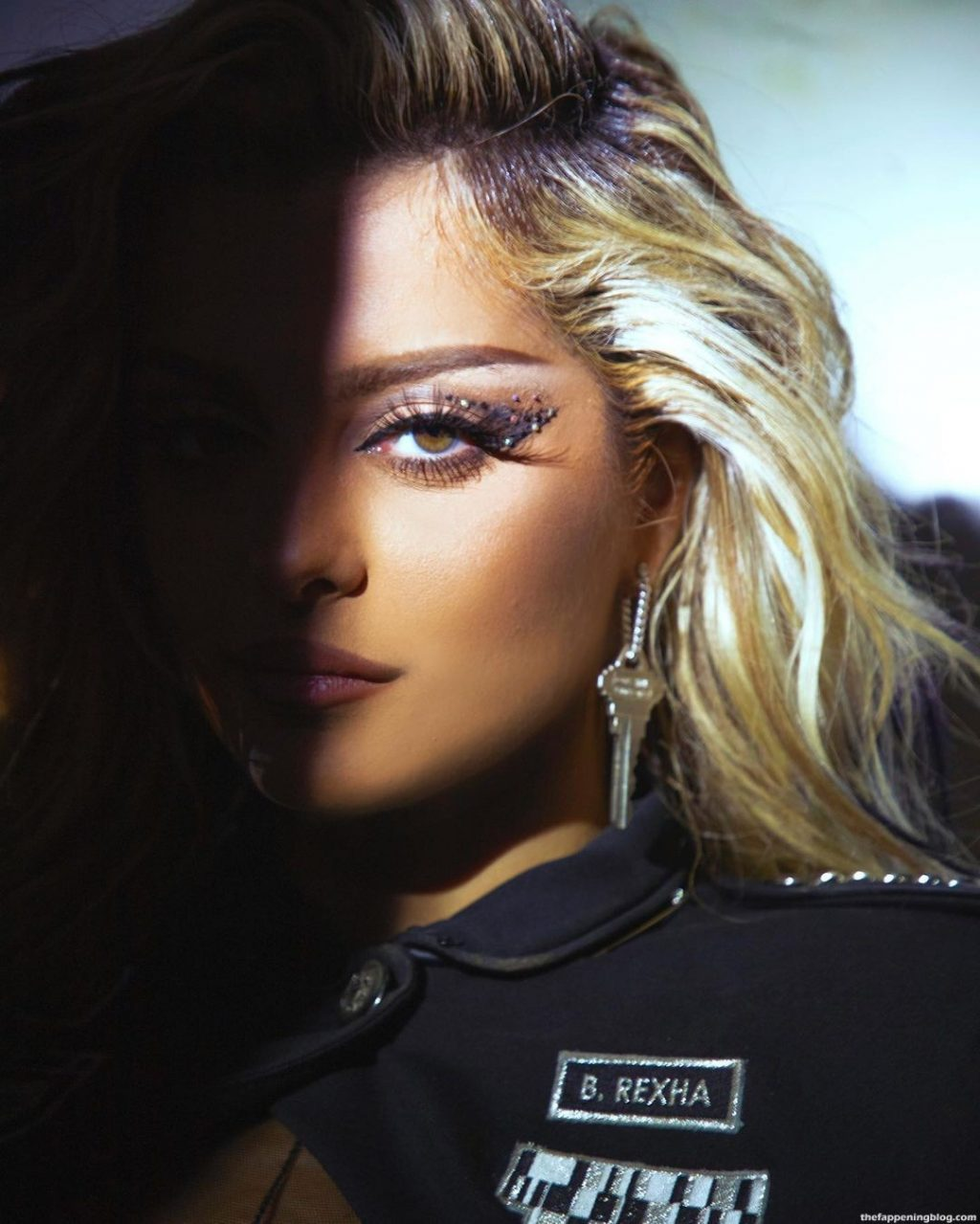 Bebe Rexha Shows Off Her Tits and Butt (4 Photos + Video)