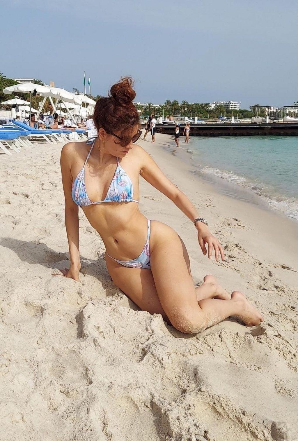 Blanca Blanco Flaunts Her Curves at Cannes Beach (30 Photos)
