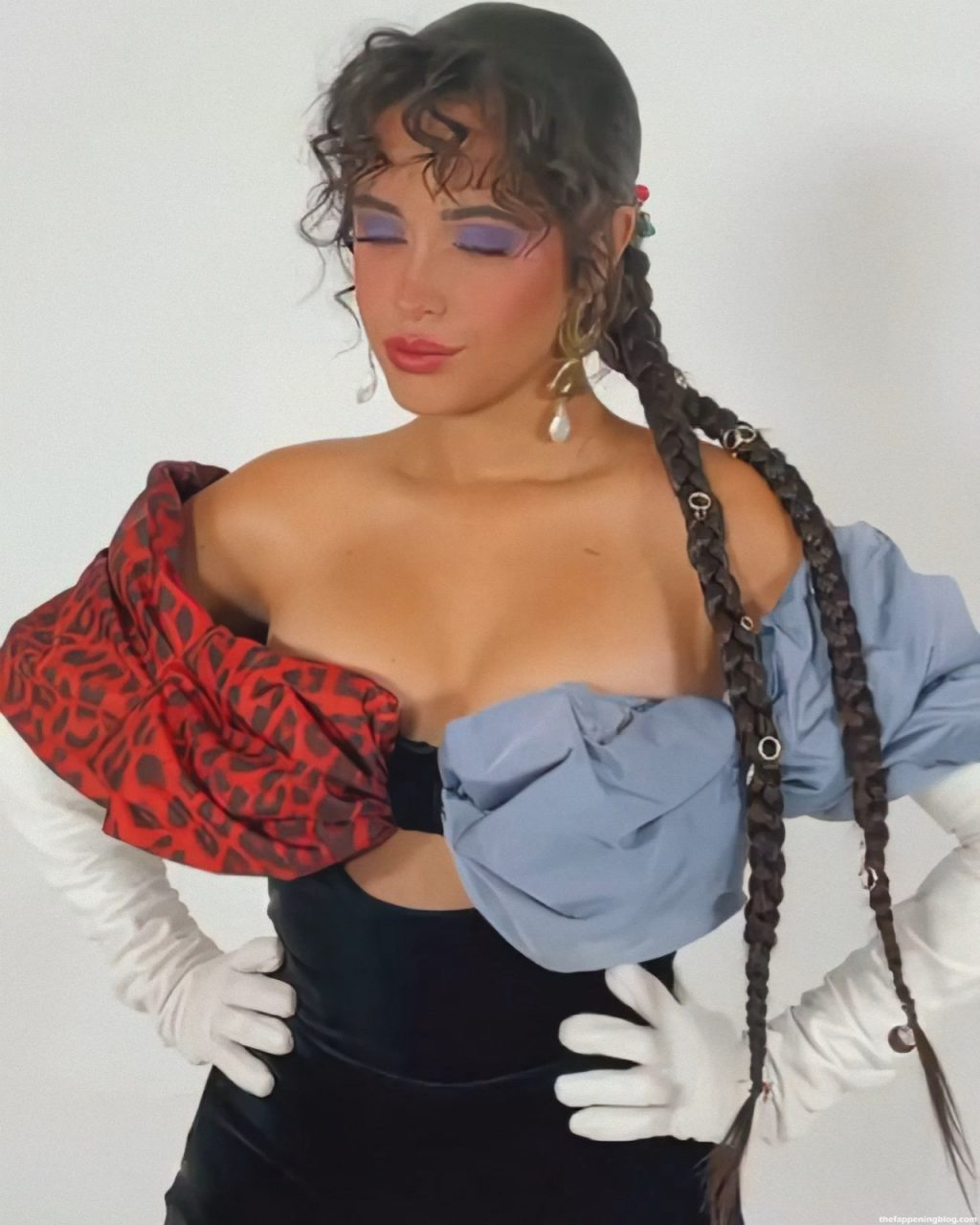 Camila Cabello Sexy (5 Pics + GIF & Video)