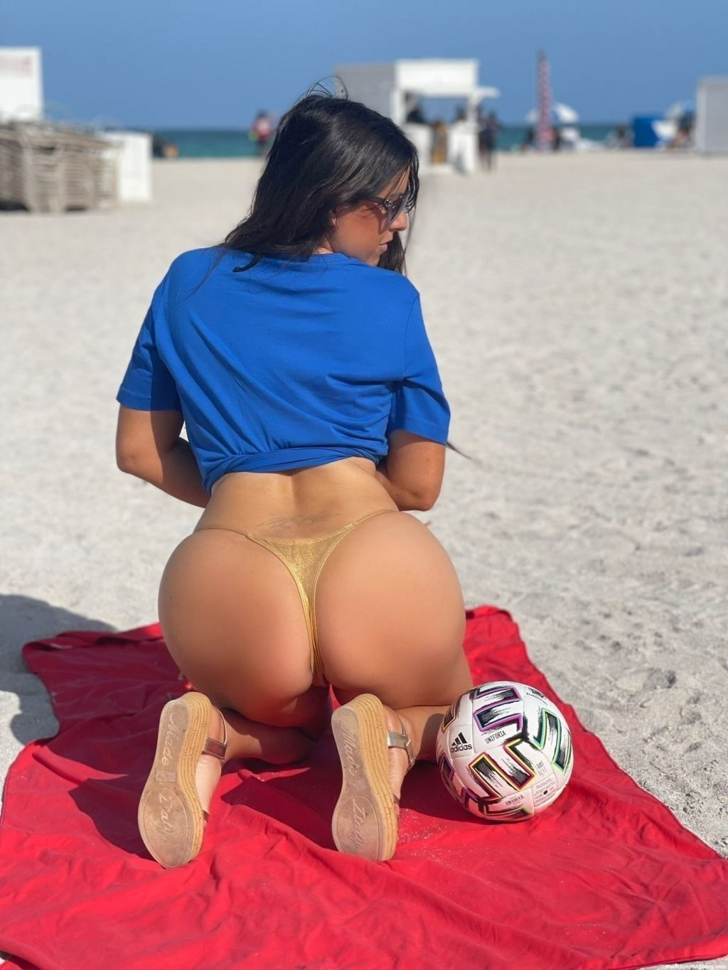 Claudia Romani Poses on the Beach in Miami (16 Photos) [Updated]