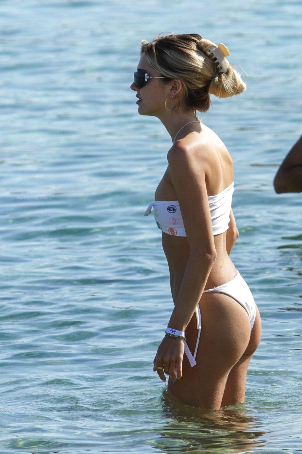 Delilah Belle Hamlin Looks Sensational in a Barely-There Bikini in Mykonos (49 Photos)