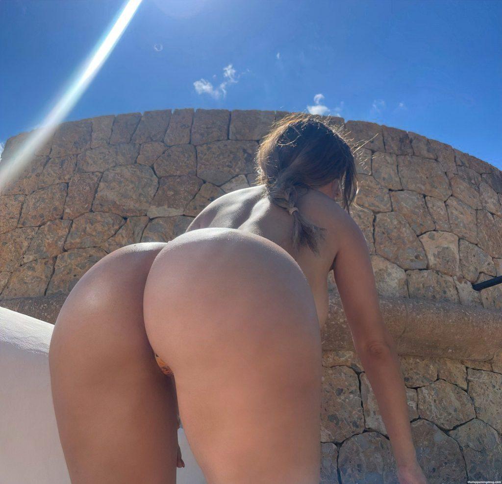 Demi Rose Topless (7 Photos)