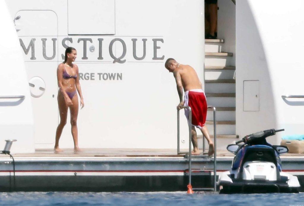 Justin Bieber & Hailey Bieber Enjoy Their Romantic Getaway on the Greek Island of Milos (46 Photos)