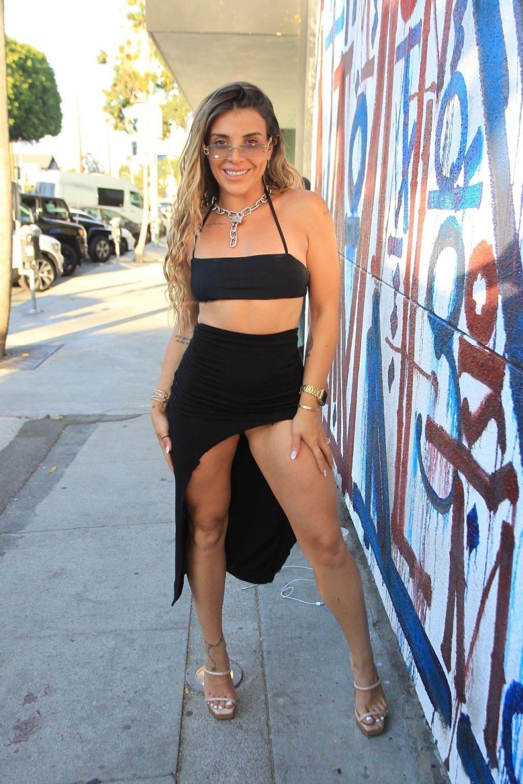 Leggy Hana Giraldo Looks Hot in Hollywood (16 Photos)