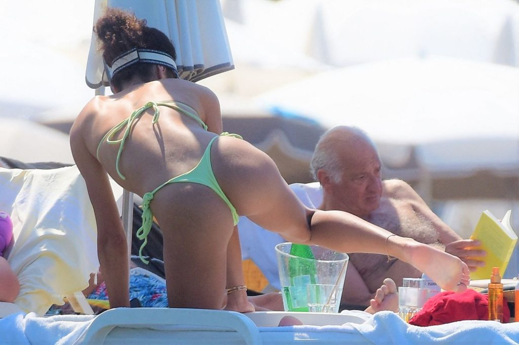 Jessica Aidi Verratti Shows Off Her Slender Figure in a Green Bikini in Saint-Tropez (56 Photos)