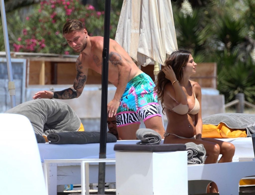 Ciro Immobile & Lorenzo Insigne hit the Beach with Jessica Melena & Genoveffa Darone (29 Photos)