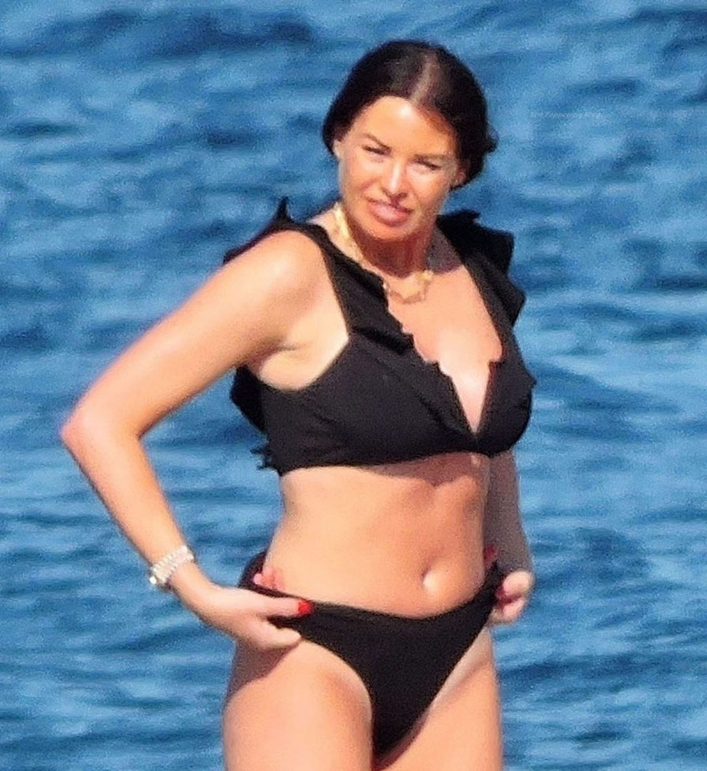 Jessica Wright is Seen With Her William Lee-Kemp Out on Their Holiday in Palma De Mallorca (42 Photos)