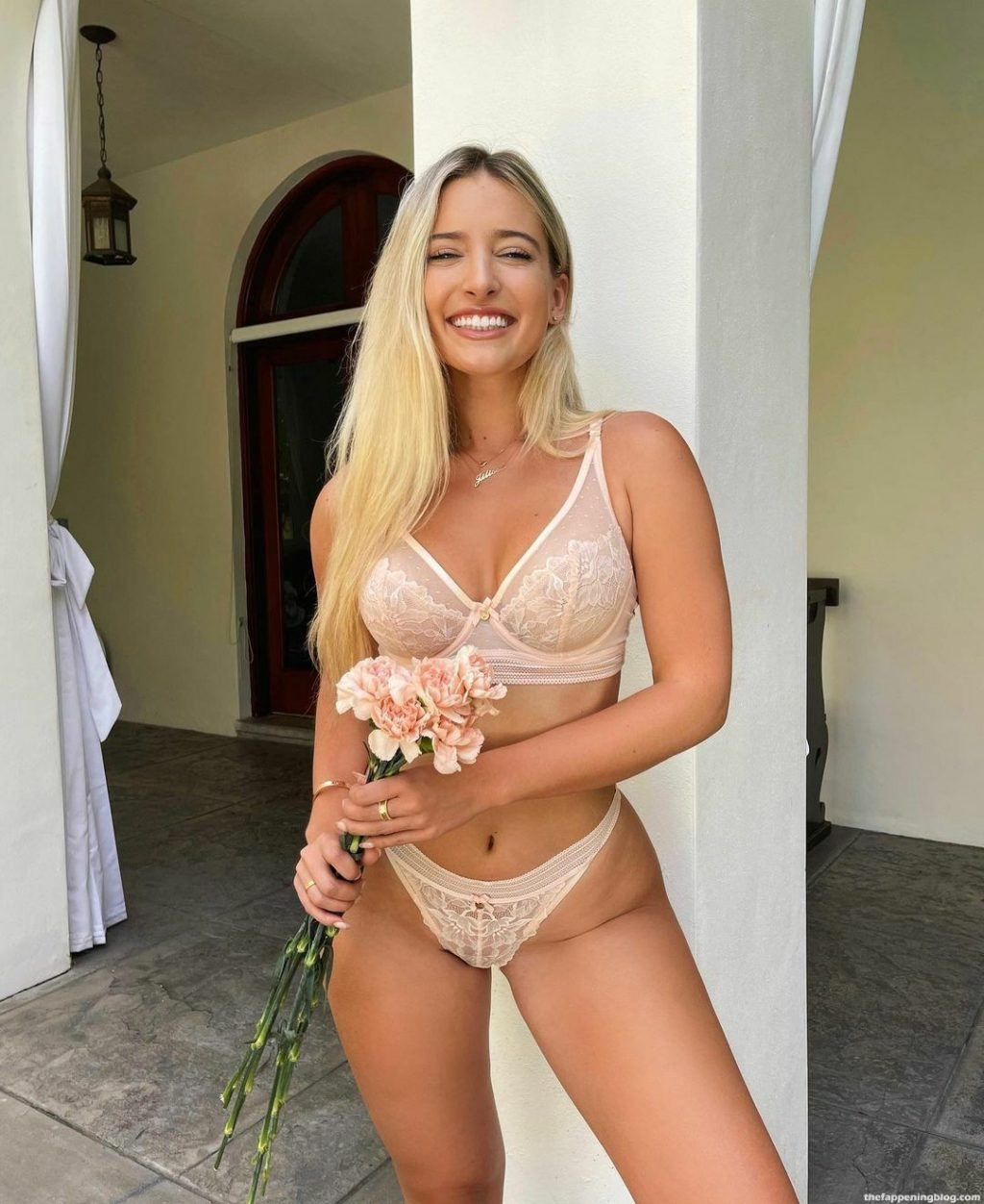 Jilissa Ann Zoltko Looks Hot in a Bra and Panties with Flowers (8 Photos)