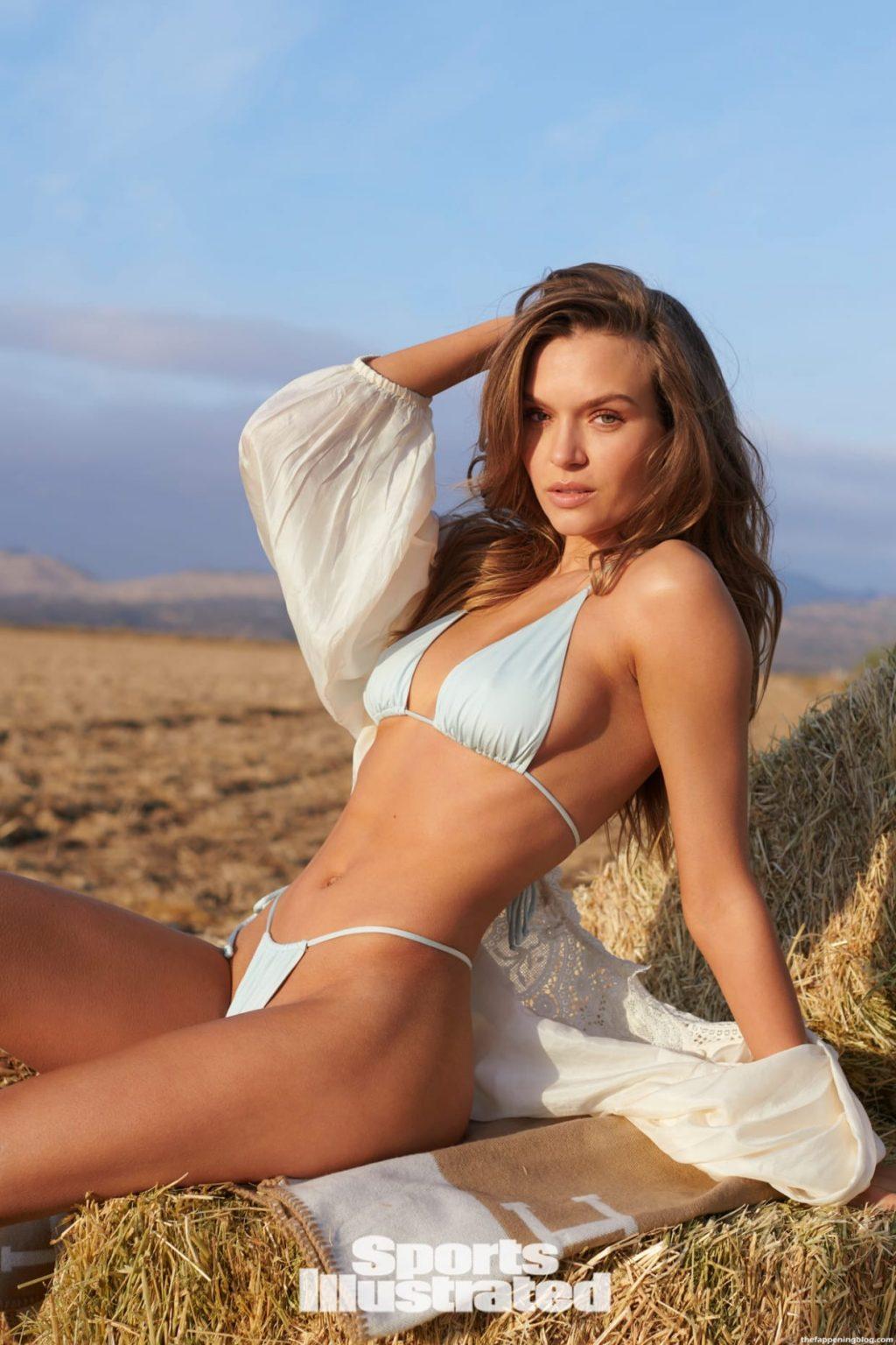 Josephine Skriver Sexy – Sports Illustrated Swimsuit 2021 (39 Photos)