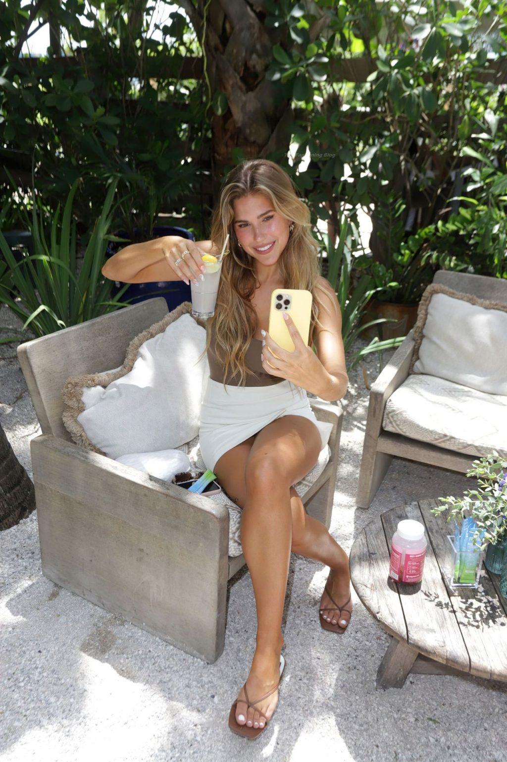 Kara Del Toro Looks Hot at Vital Proteins Summer Hydration Brunch (9 Photos)