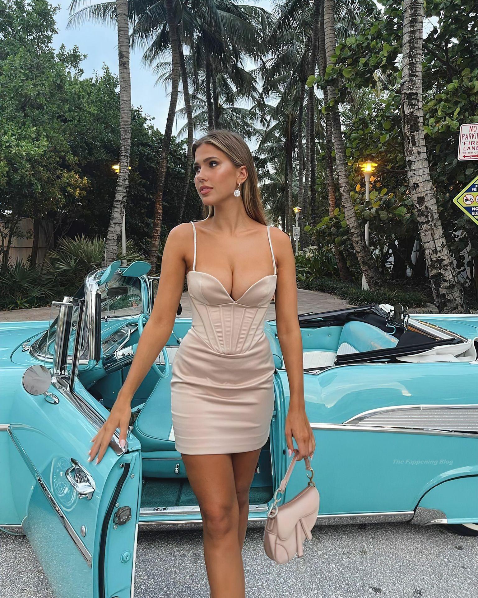 Kara-Del-Toro-Gorgeous-Boobs-5thefappeningblog.com_.jpg