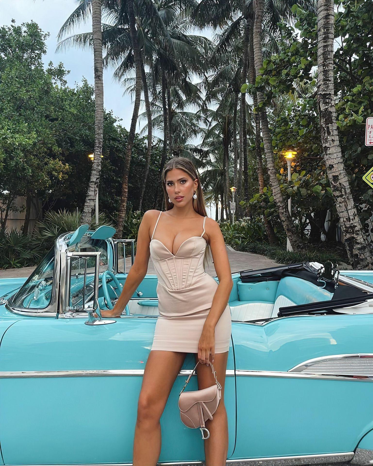 Kara-Del-Toro-Gorgeous-Boobs-6thefappeningblog.com_.jpg