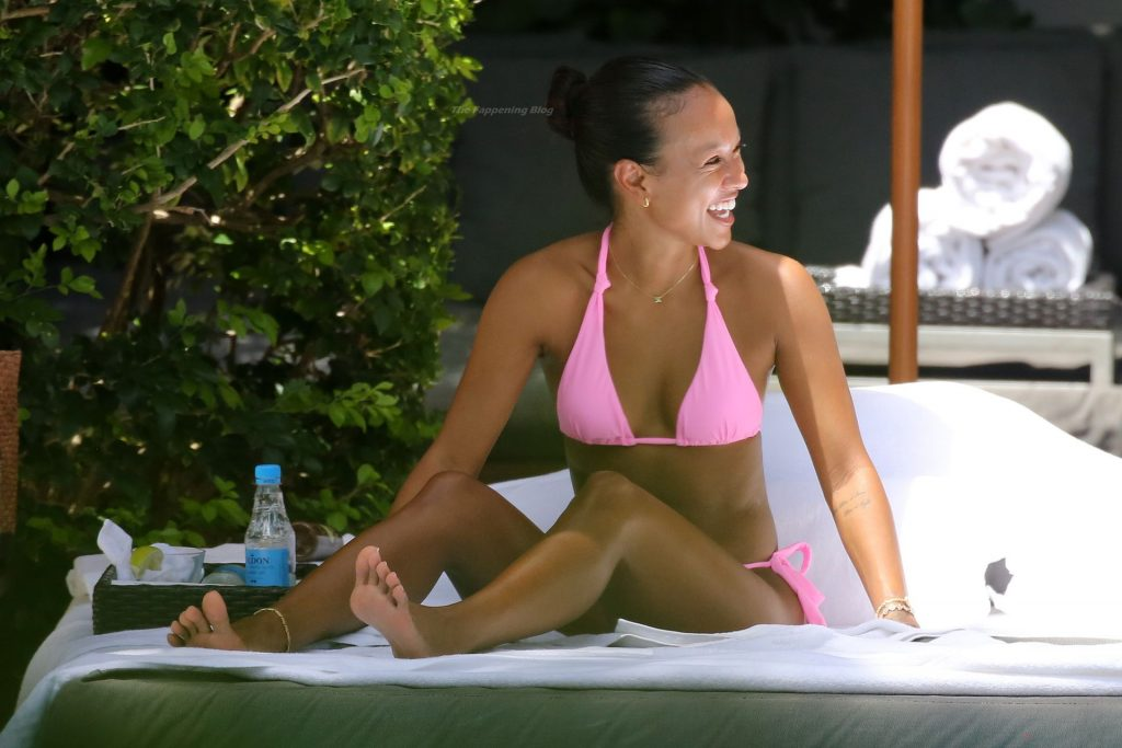 Karrueche Tran Shows Off Her Sexy Figure in a Pink Bikini (10 Photos)