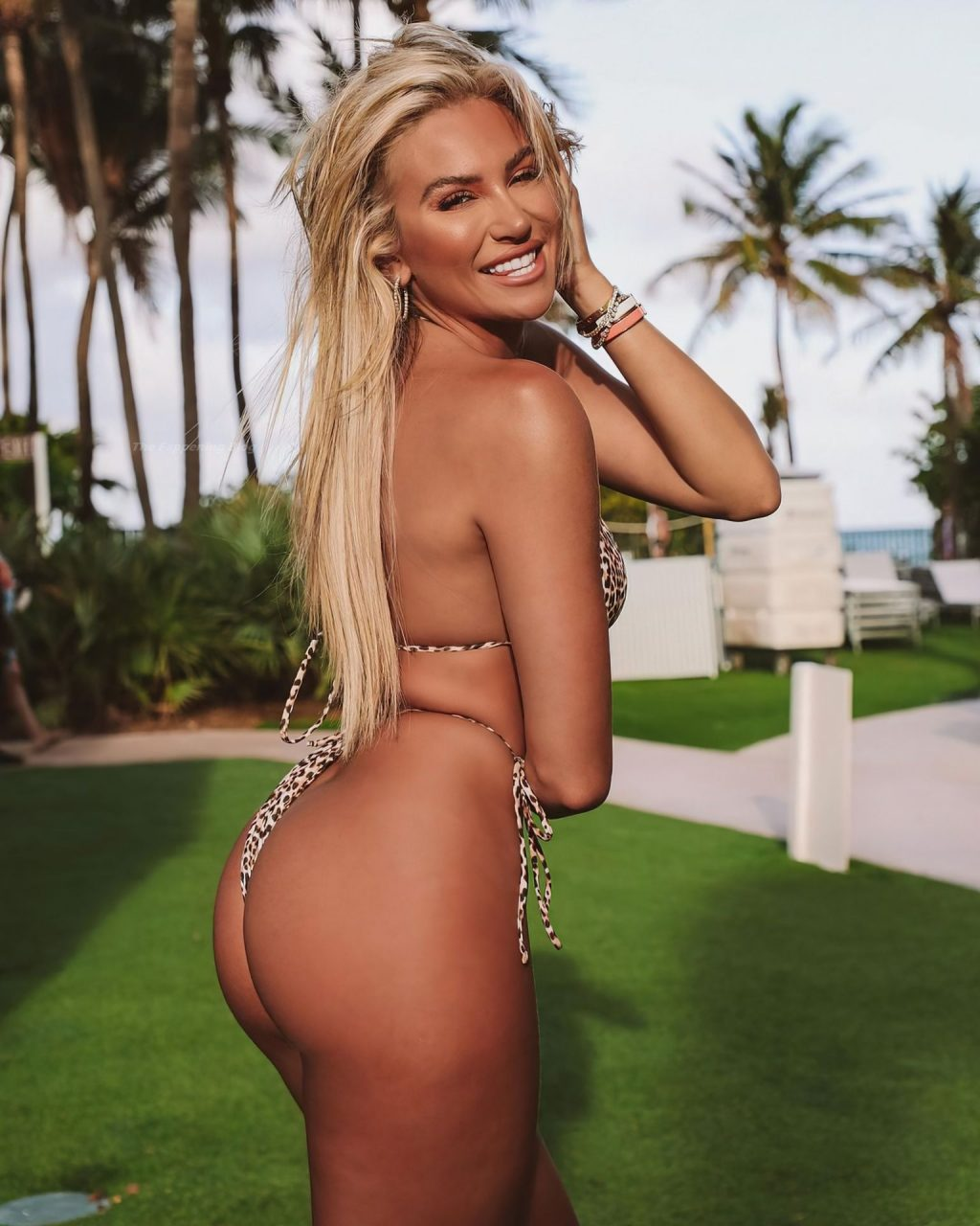 Khloe Terae Sexy (32 Photos)