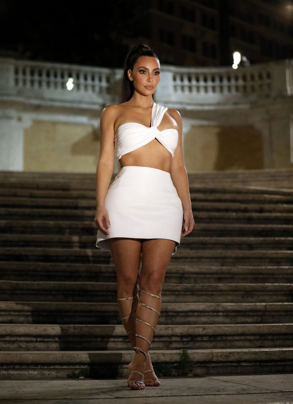 Kim Kardashian Stops By the Famous Spanish Steps to Take Pics in Rome (25 Photos)