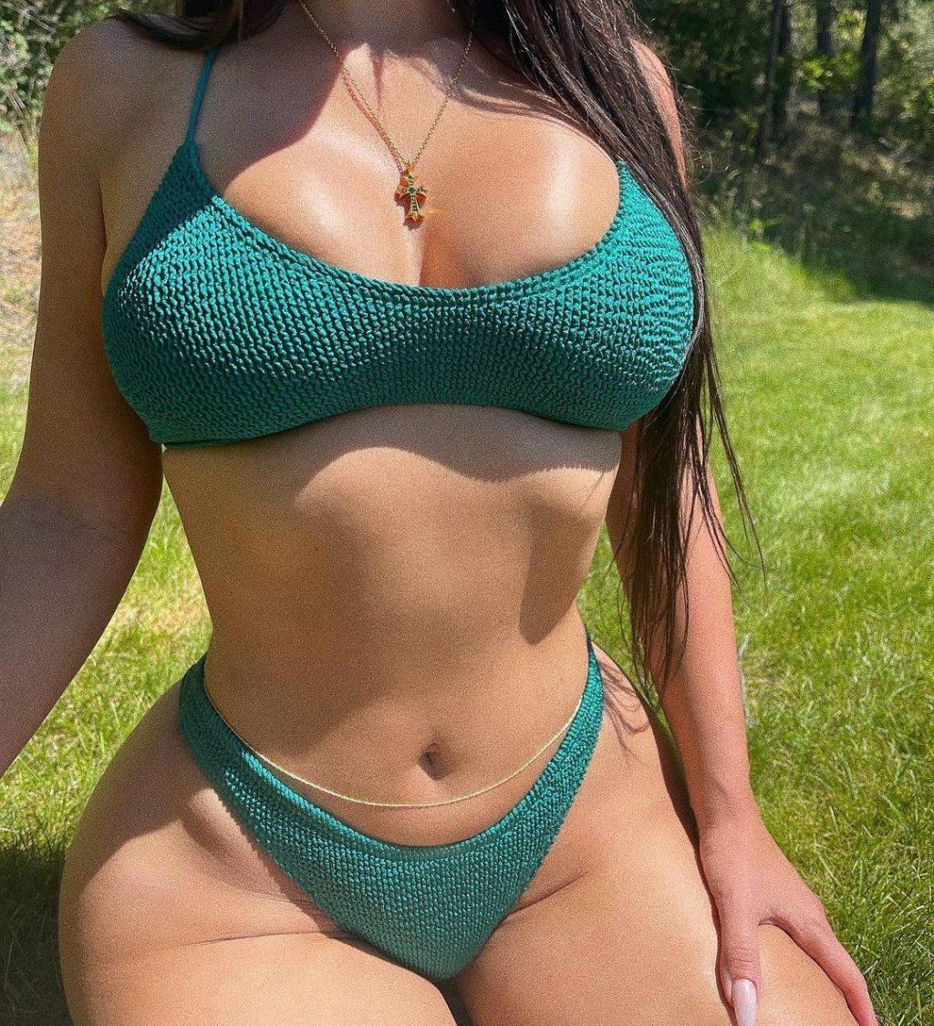 Kim Kardashian (12 Hot Photos)