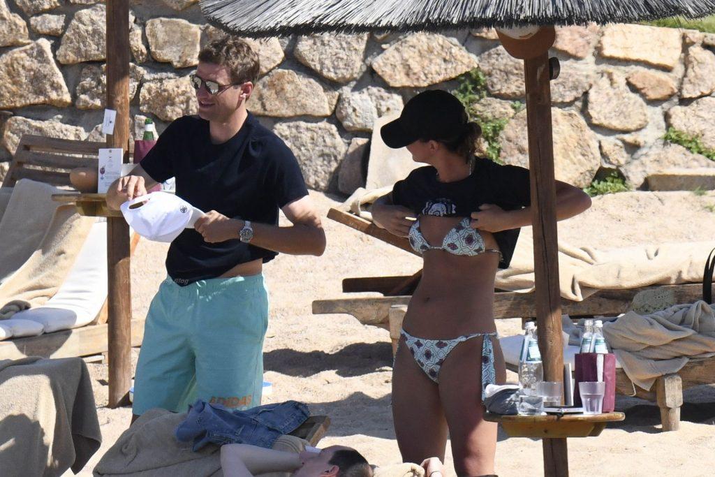 Lisa & Thomas Müller Enjoy Their Holidays in Sardinia (20 Photos)