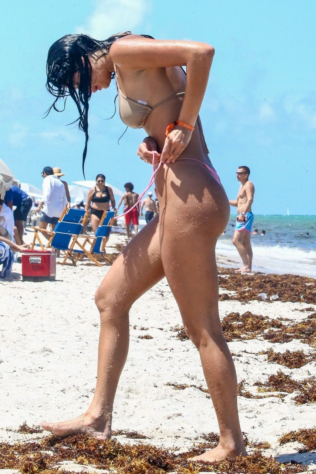 Lucciana Beynon Goes For a Dip in the Pacific (25 Photos)