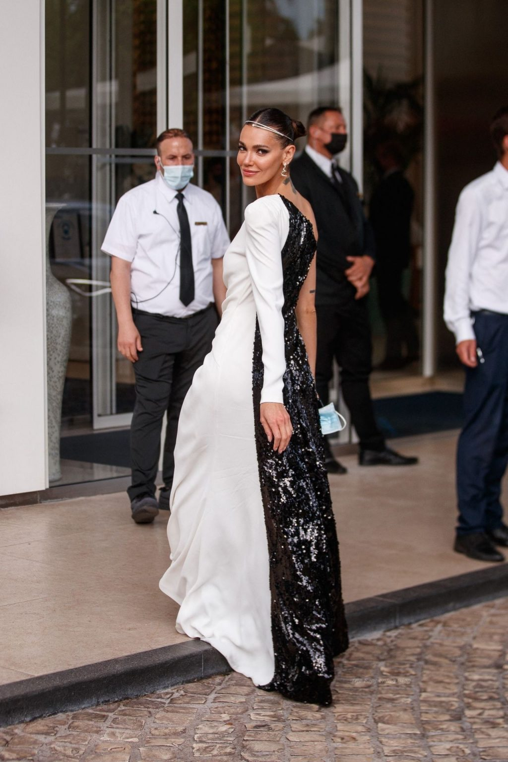 Mari Fonseca Flaunts Her Sexy Legs at the Martinez Hotel During the 74th Cannes Film Festival (8 Photos)