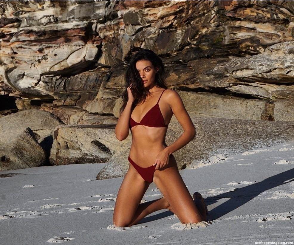 Monika Clarke Nude & Sexy Collection (54 Photos)