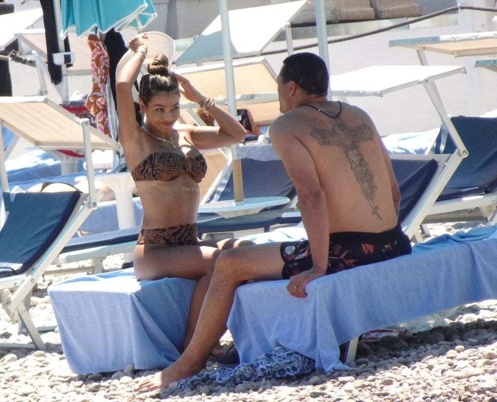 Tony Gonzalez Chills Out With His Wife October Out in The Hot Sicilian Sunshine in Taormina (37 Photos)