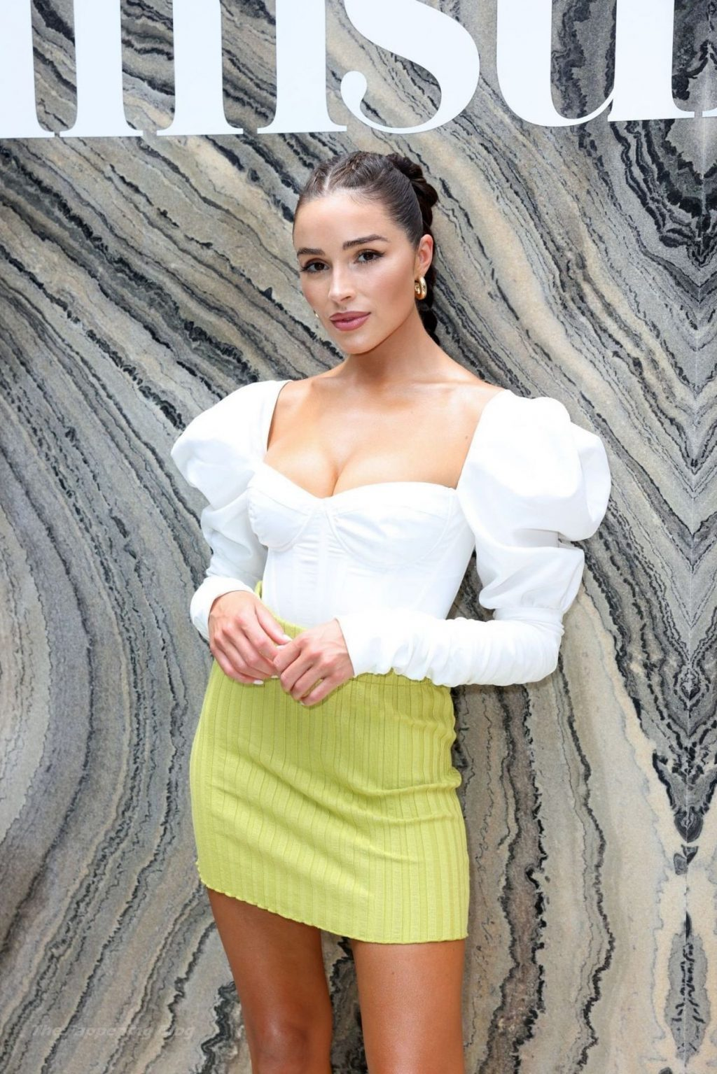 Olivia Culpo Flaunts Nice Cleavage the Sports Illustrated Swimsuit Event (21 Photos)