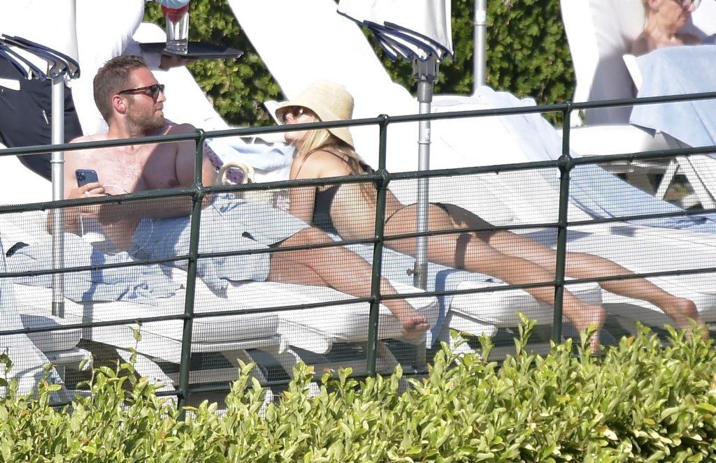 Rebecca Rittenhouse & Drew Comins Sunbathe in the Blazing Italian Heat (78 Photos)
