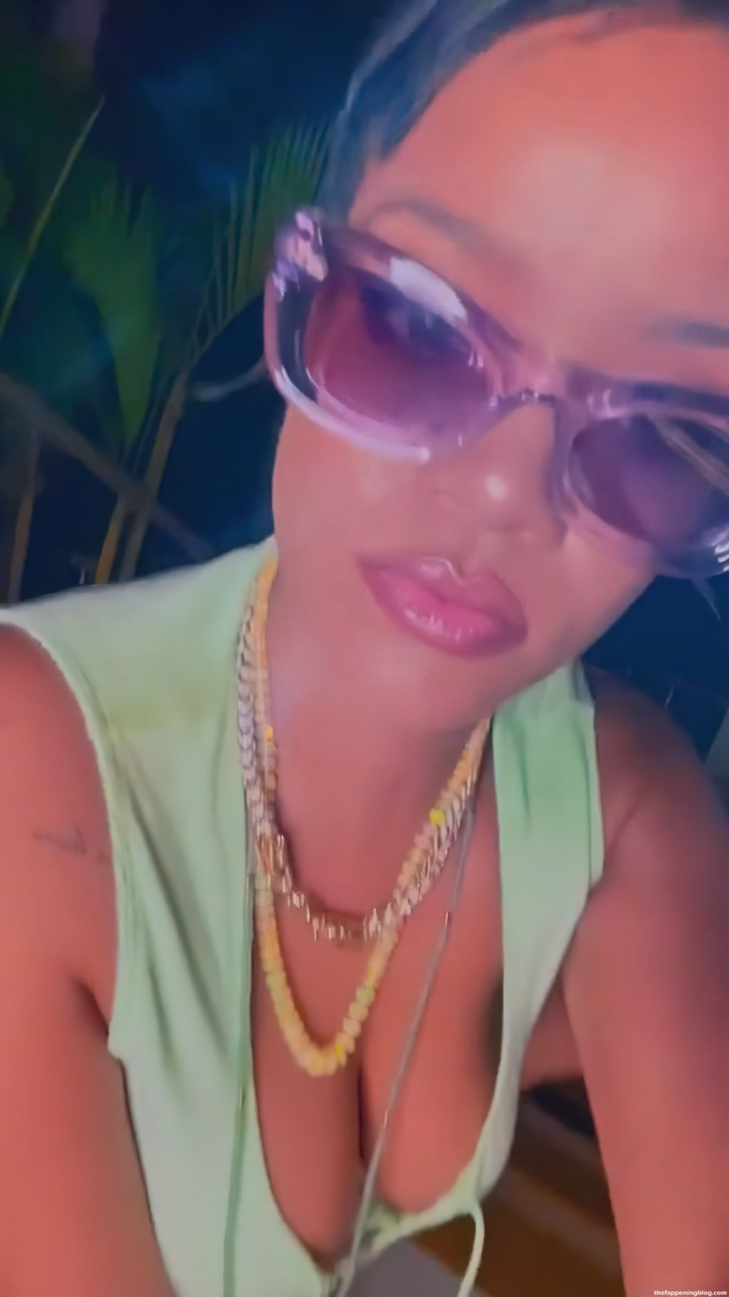 Rihanna Displays Her Tits and Butt in Green Lingerie (14 Pics + GIFs & Video)
