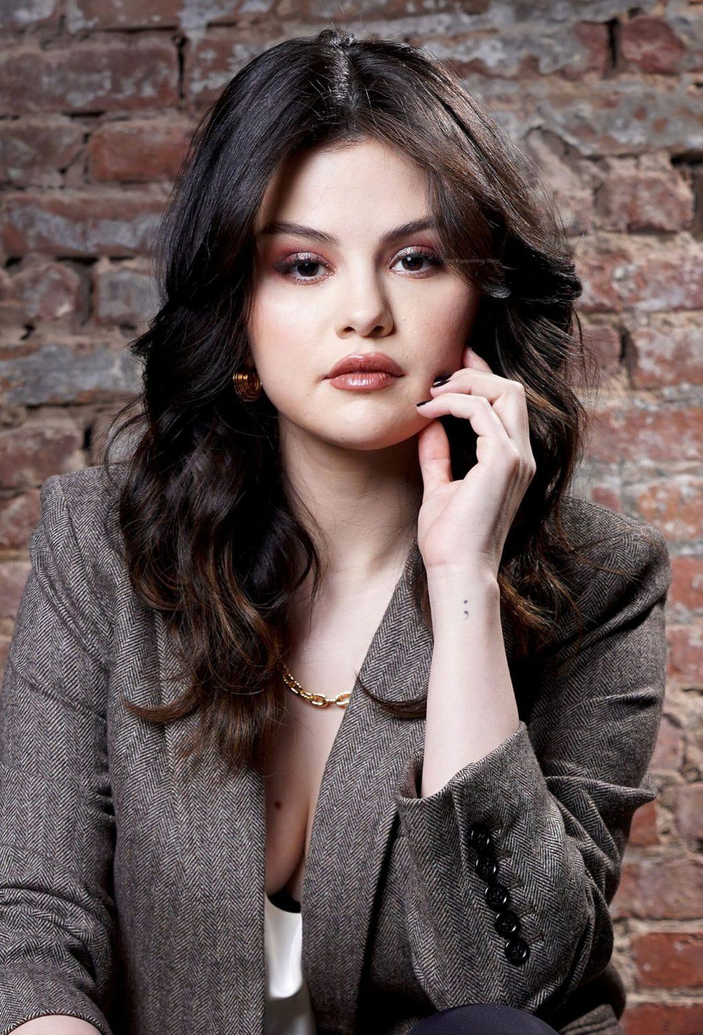 Selena Gomez Sexy (8 Hot Photos)