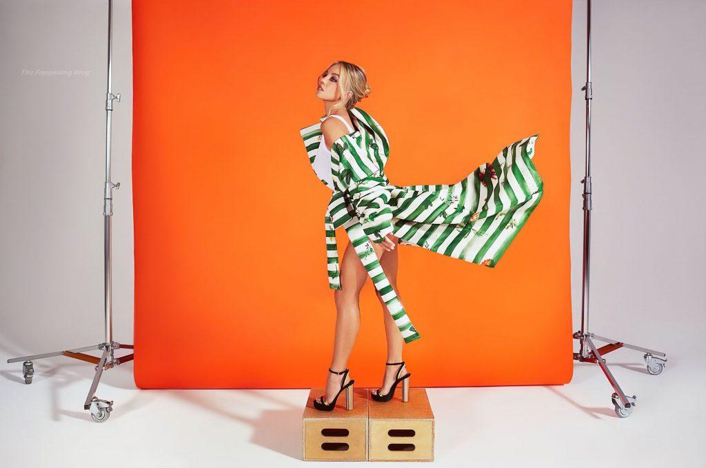 Sydney Sweeney Sexy – Story + Rain Magazine (18 Photos)