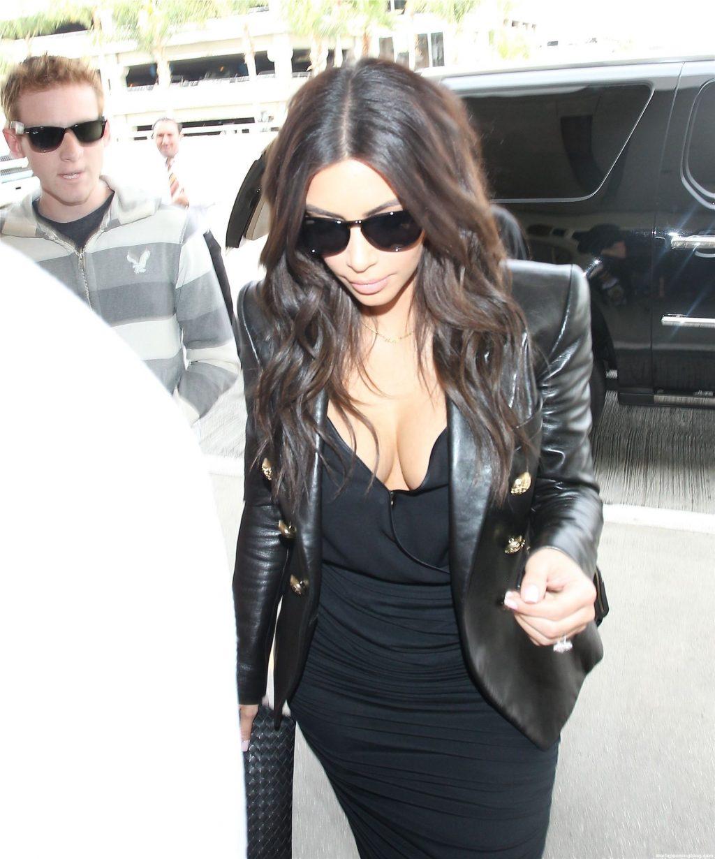 Kim Kardashian Nude & Sexy Collection – Part 2 (150 Photos + Video)