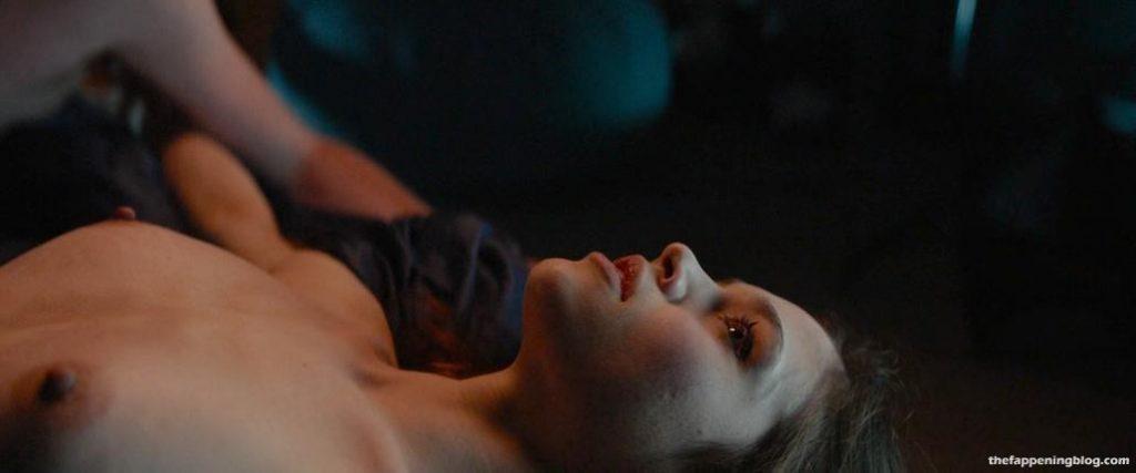 India Eisley Nude & Sexy Collection (26 Photos + Sex Video Scenes)