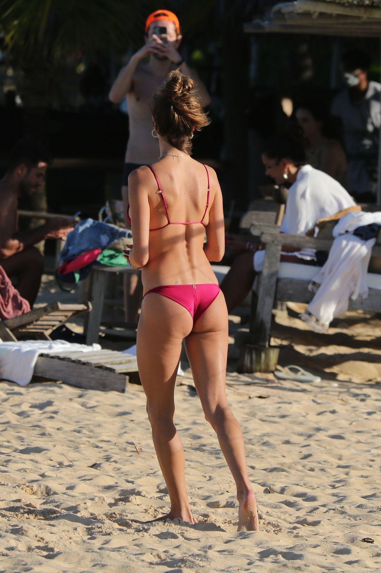 Alessandra-Ambrosio-Sexy-41-thefappeningblog.com_-1.jpg