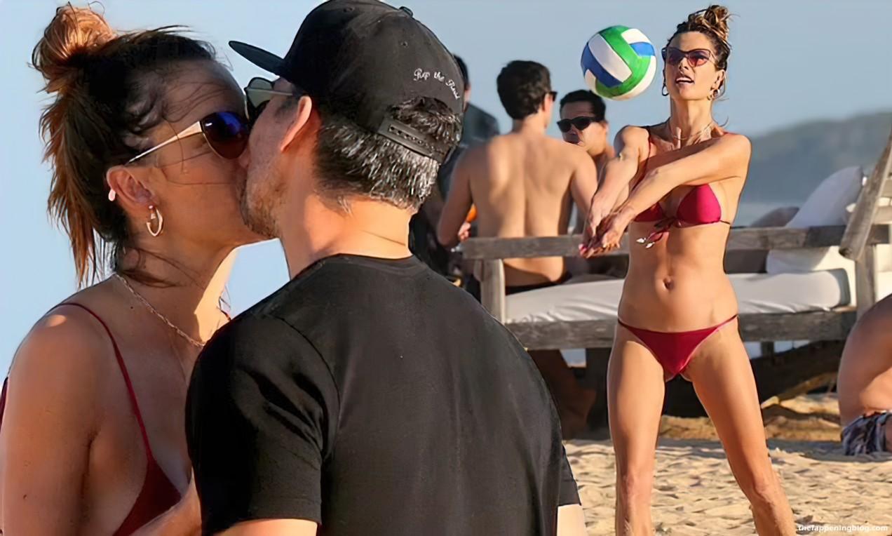 Alessandra-Ambrosio-Sexy-TFB1.jpg