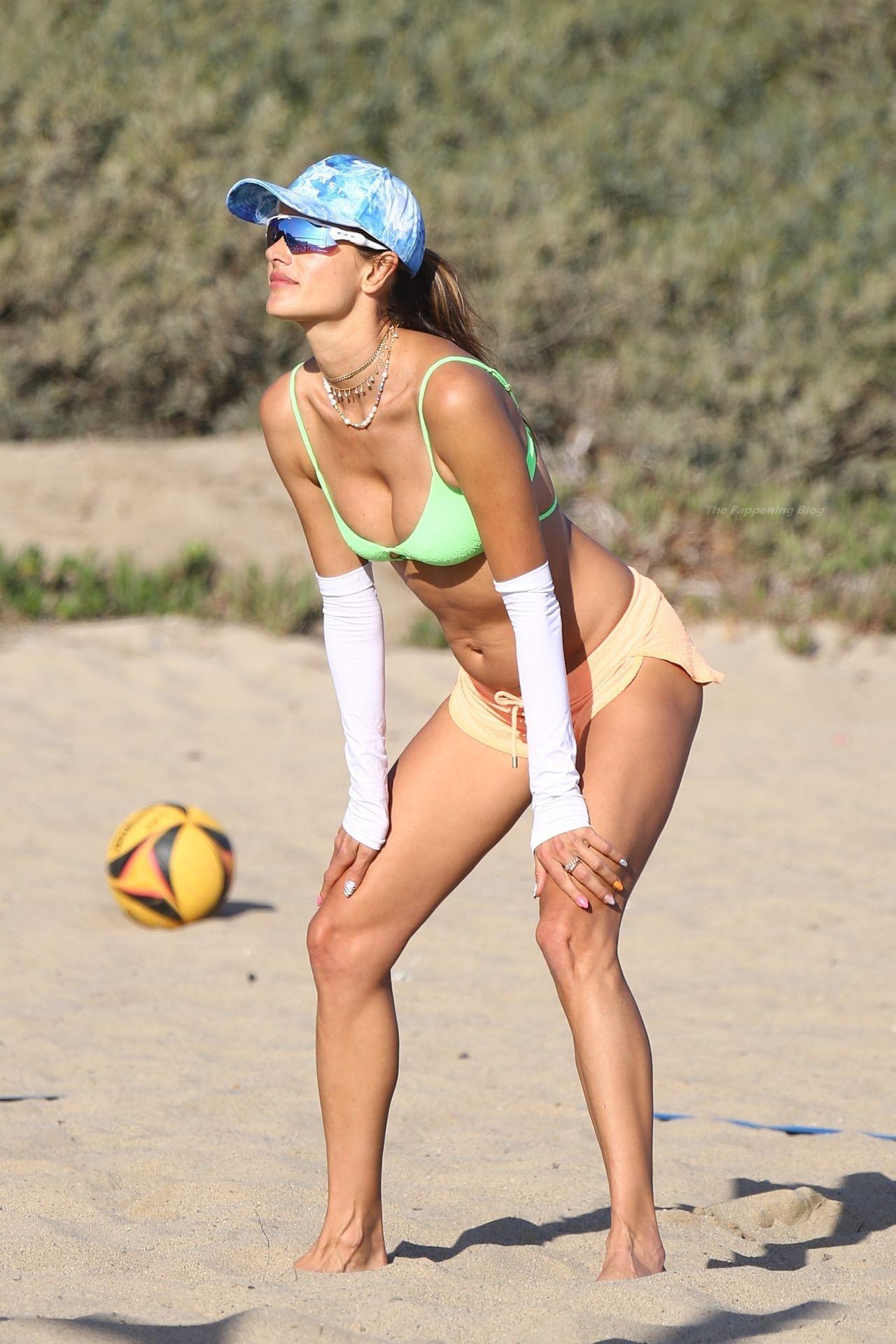 Alessandra-Ambrosio-Sexy-The-Fappening-Blog-1061.jpg