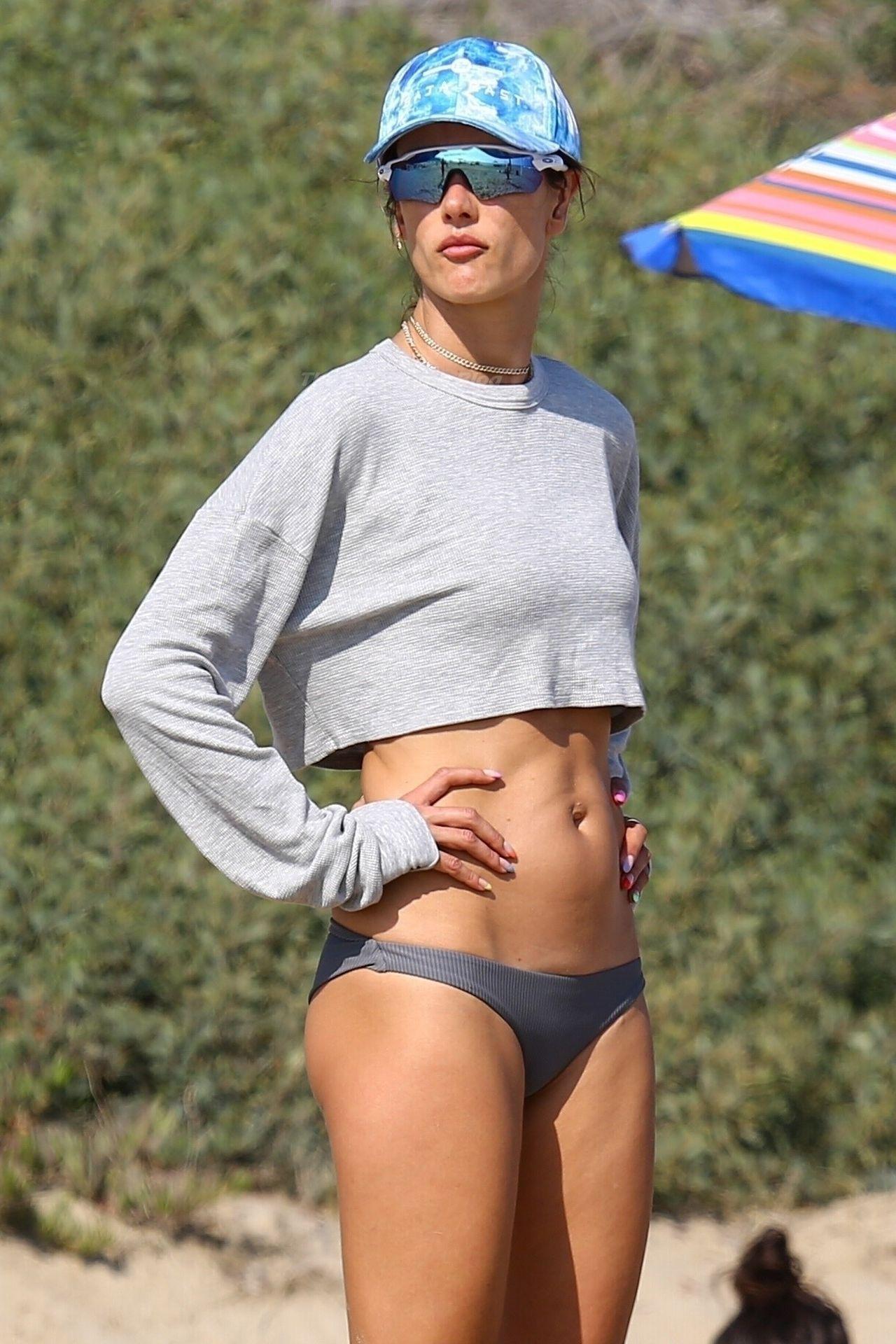 Alessandra-Ambrosio-Sexy-The-Fappening-Blog-15-3.jpg