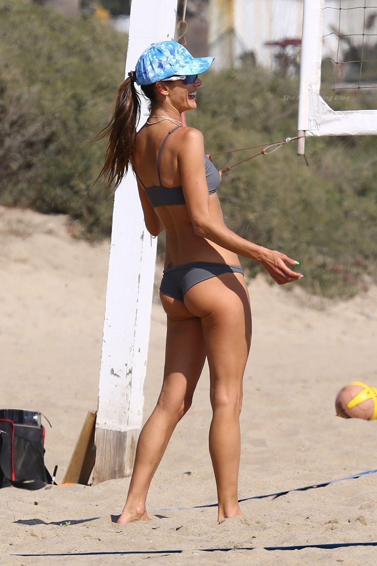 Alessandra-Ambrosio-Sexy-The-Fappening-Blog-18-3.jpg