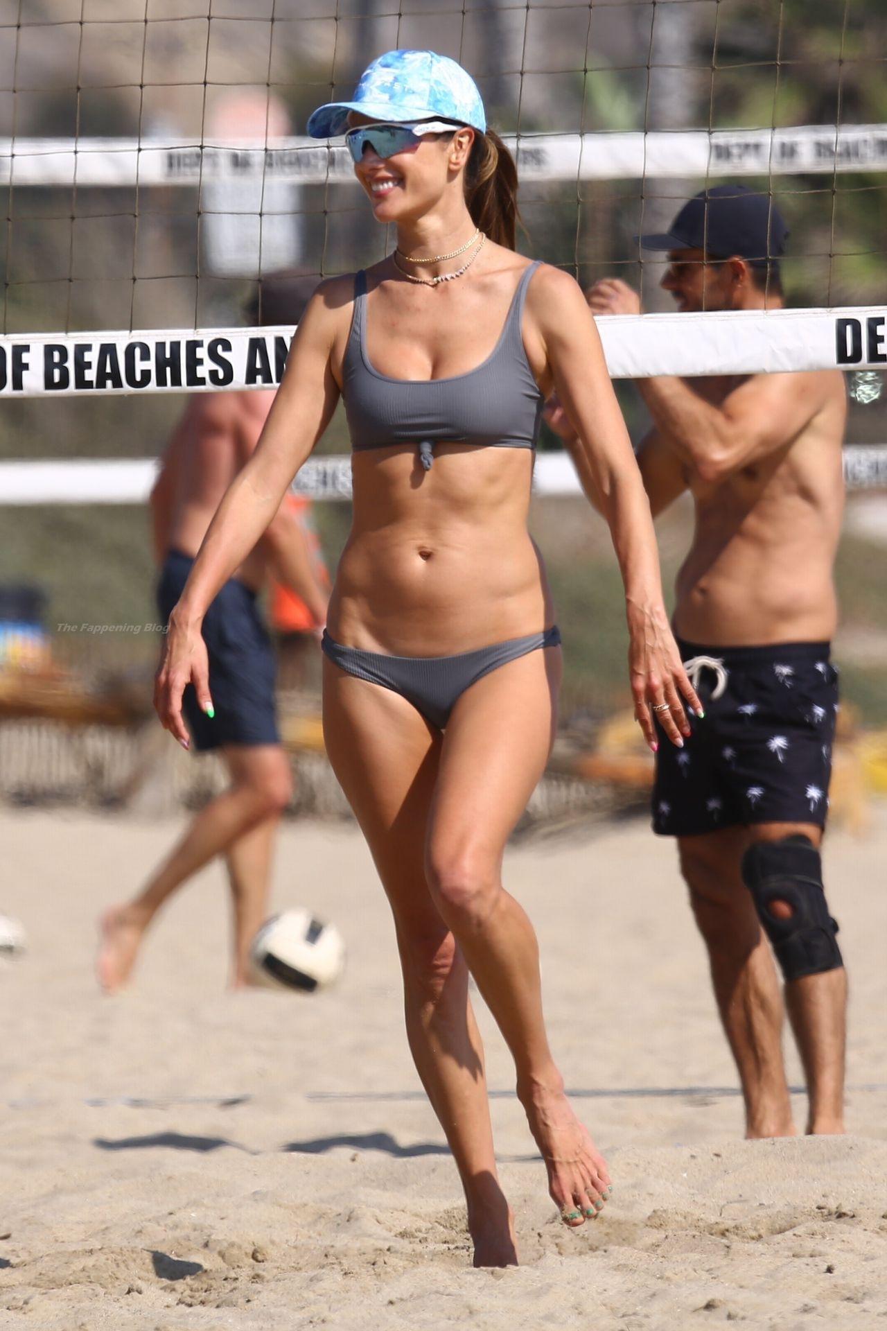 Alessandra-Ambrosio-Sexy-The-Fappening-Blog-19-3.jpg