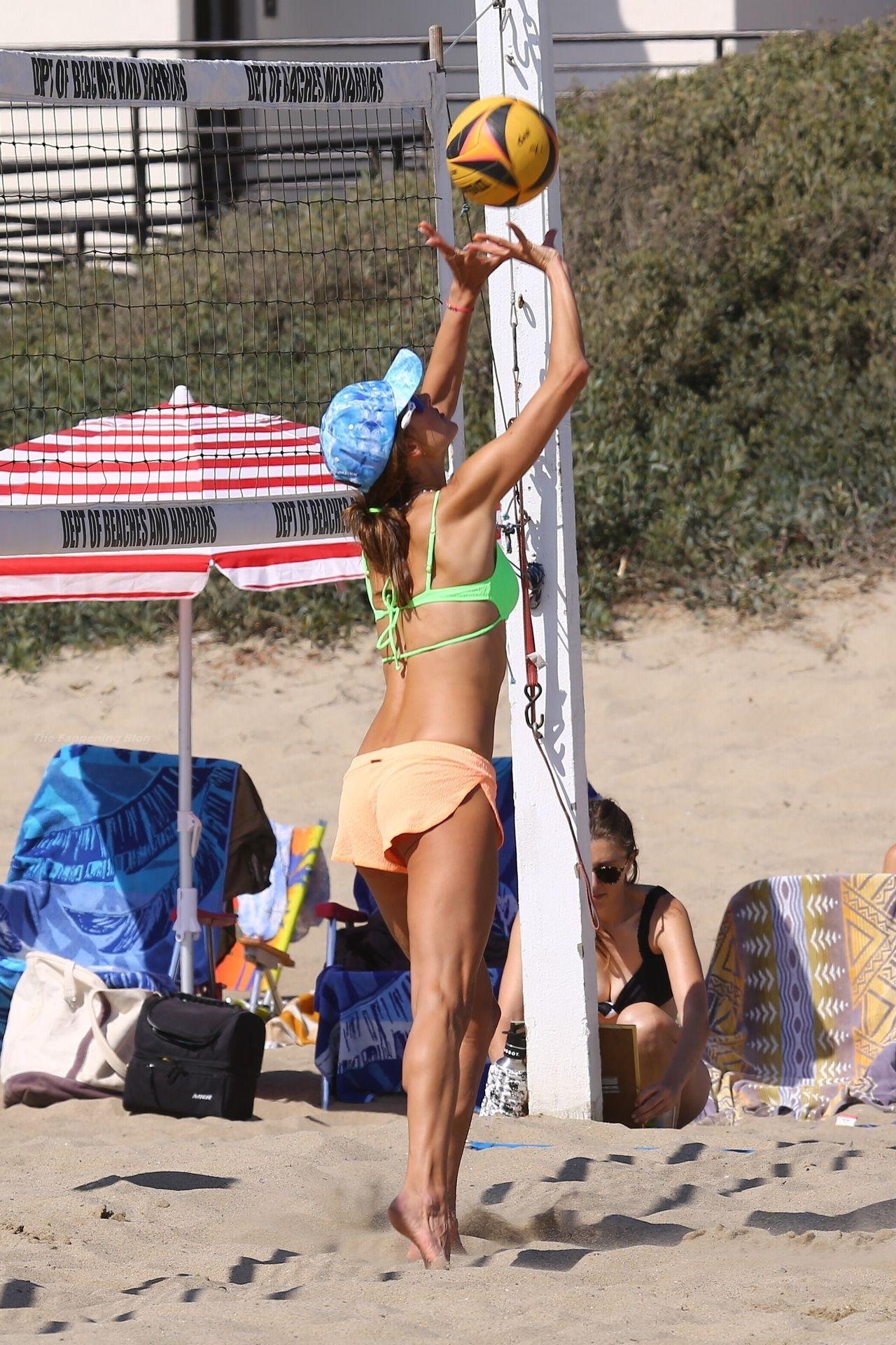 Alessandra-Ambrosio-Sexy-The-Fappening-Blog-271.jpg