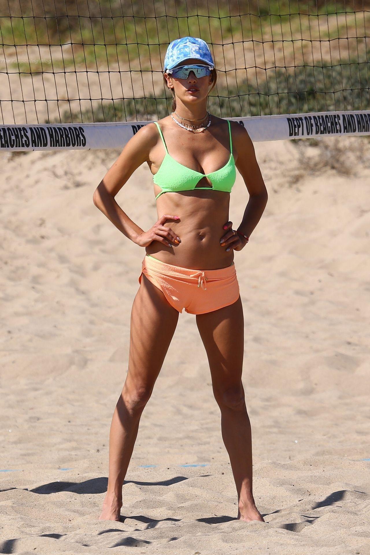 Alessandra-Ambrosio-Sexy-The-Fappening-Blog-381.jpg