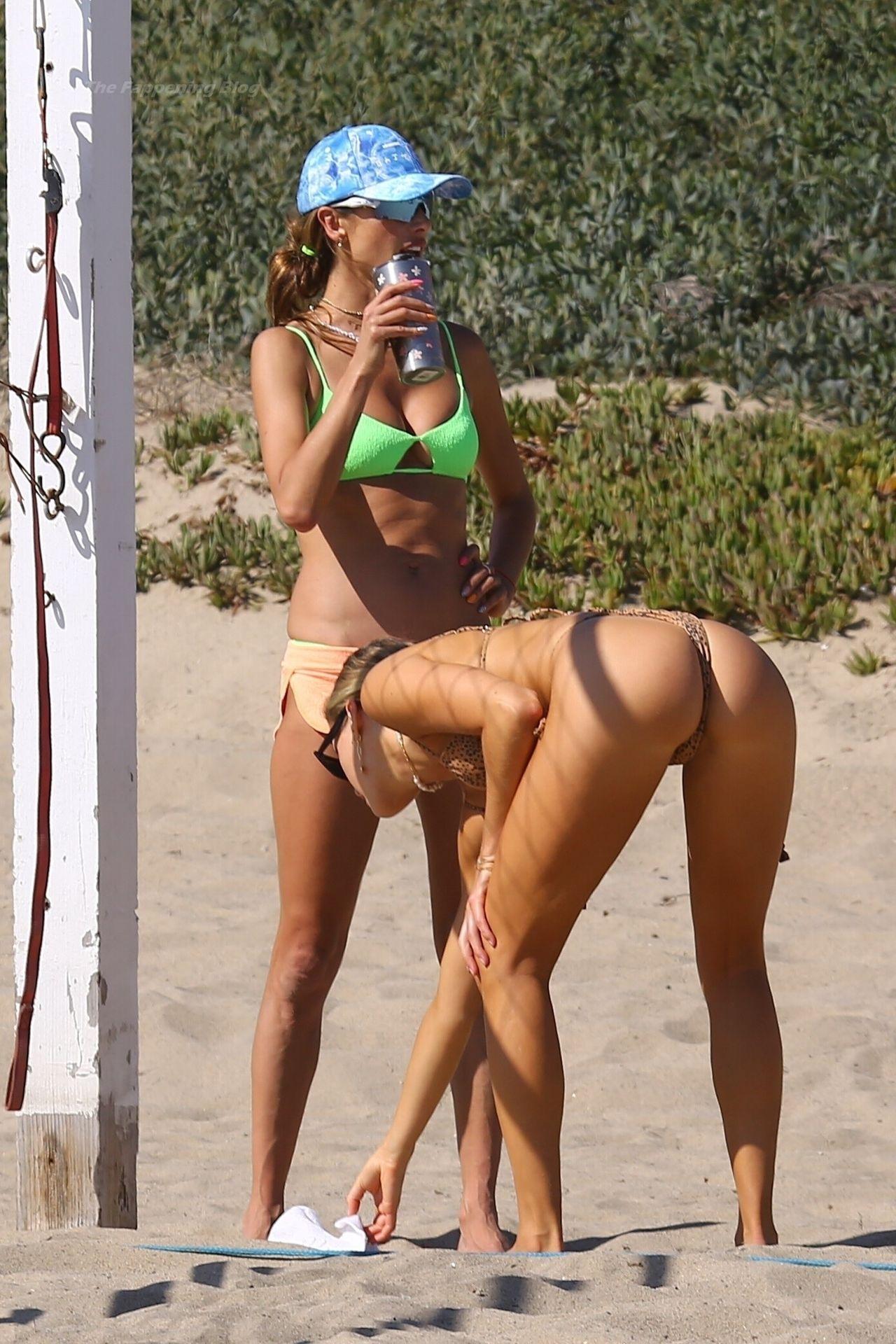 Alessandra-Ambrosio-Sexy-The-Fappening-Blog-391.jpg