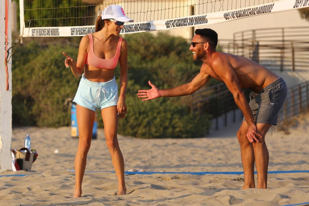 Alessandra Ambrosio Enjoys a Game with Friends on the Beach in Santa Monica (69 Photos)