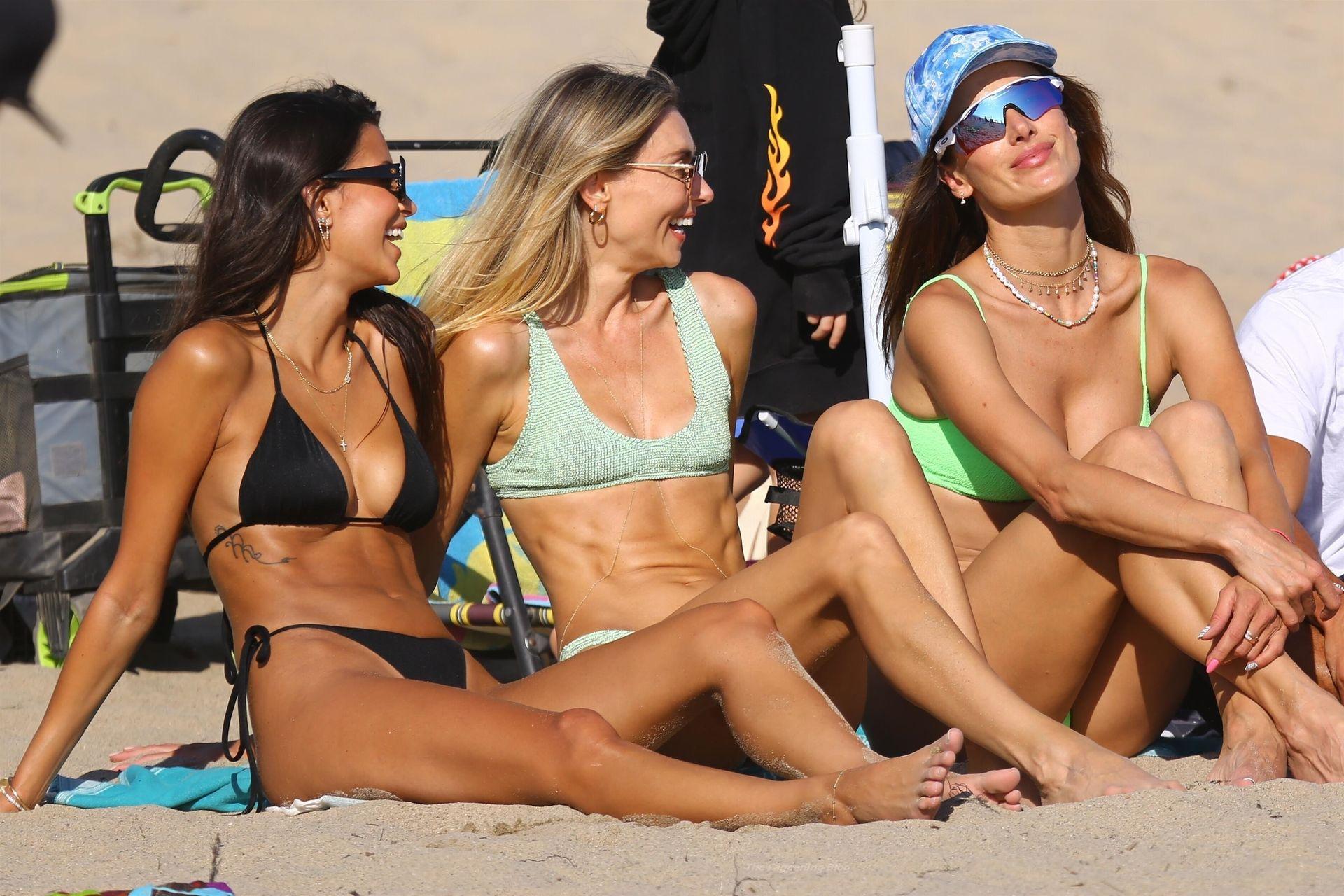 Alessandra-Ambrosio-Sexy-The-Fappening-Blog-821.jpg