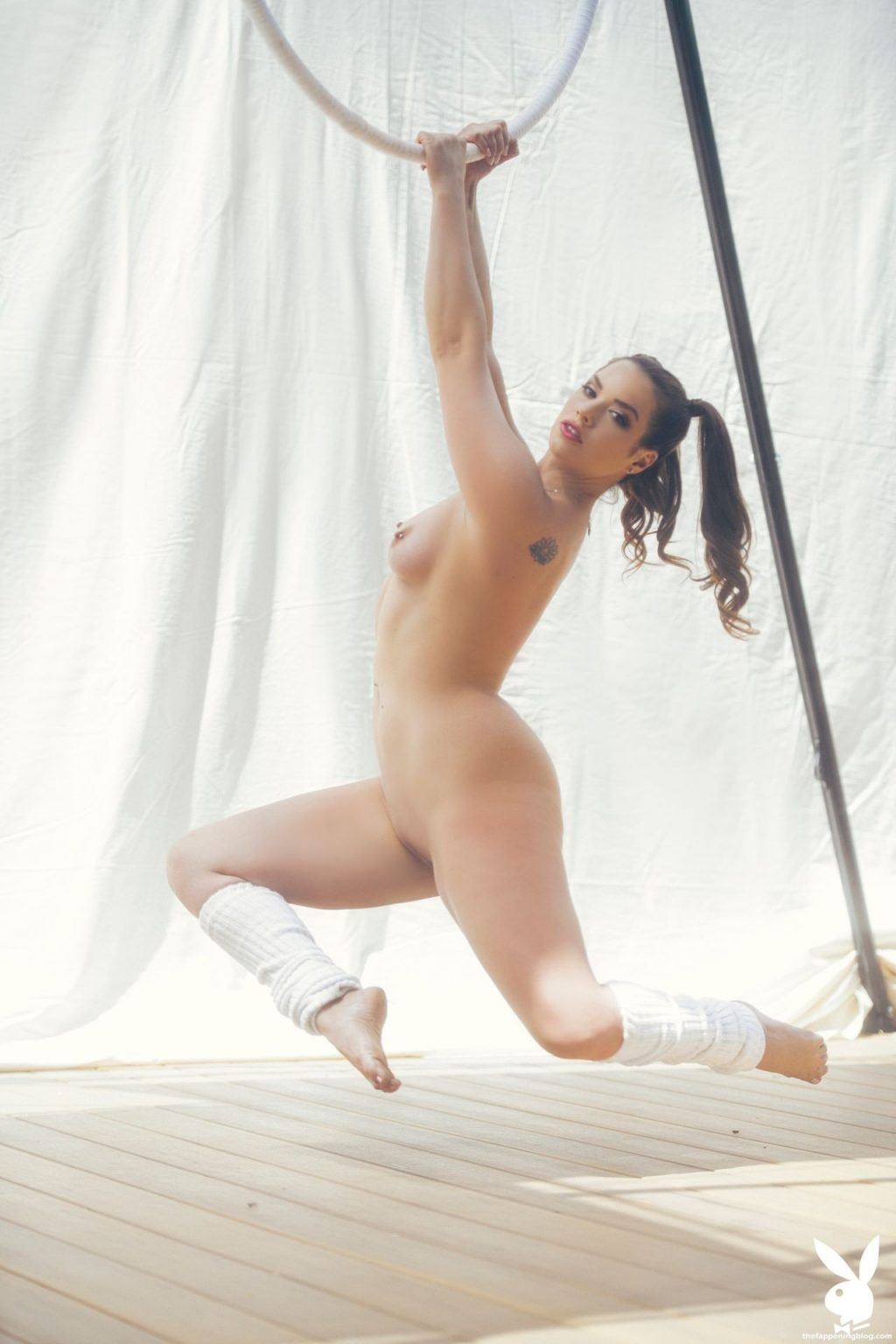 Daisy Marchesi Nude & Sexy – In the Loop (33 Photos + Video)