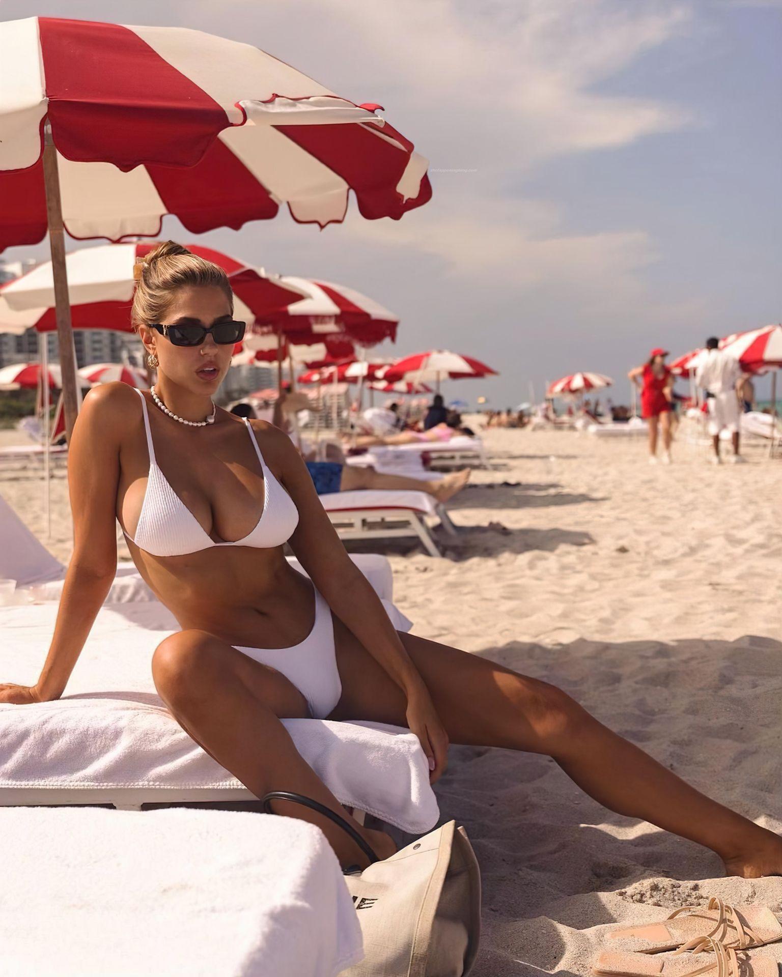 Kara-Del-Toro-Boobs-in-Bikini-1-thefappeningblog.com_.jpg