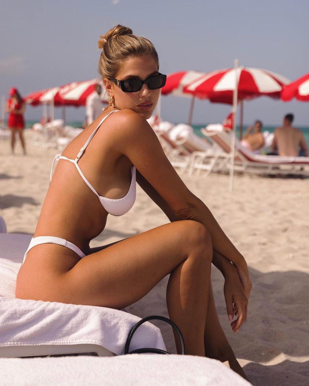 Kara-Del-Toro-Boobs-in-Bikini-2-1-thefappeningblog.com5_.jpg