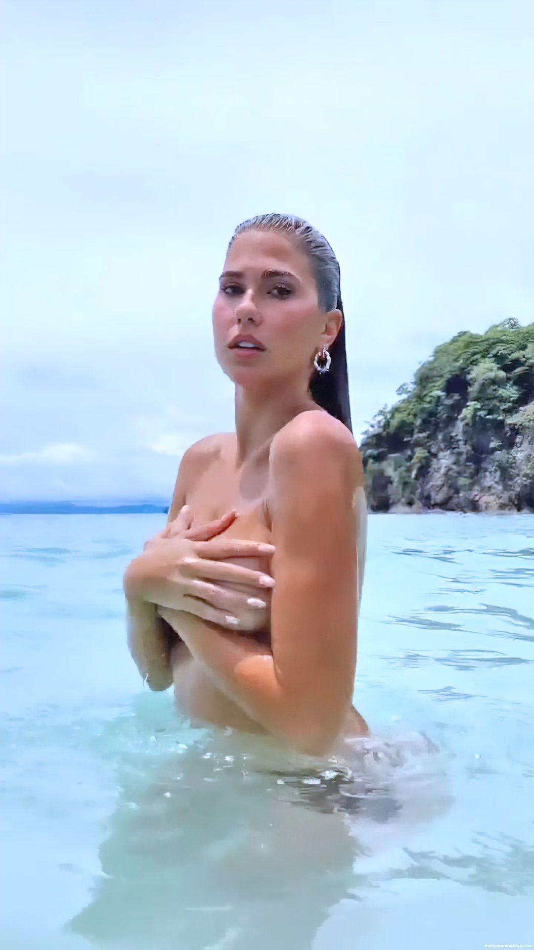 Kara-Del-Toro-Topless-Pics-2-thefappeningblog.com_.jpg