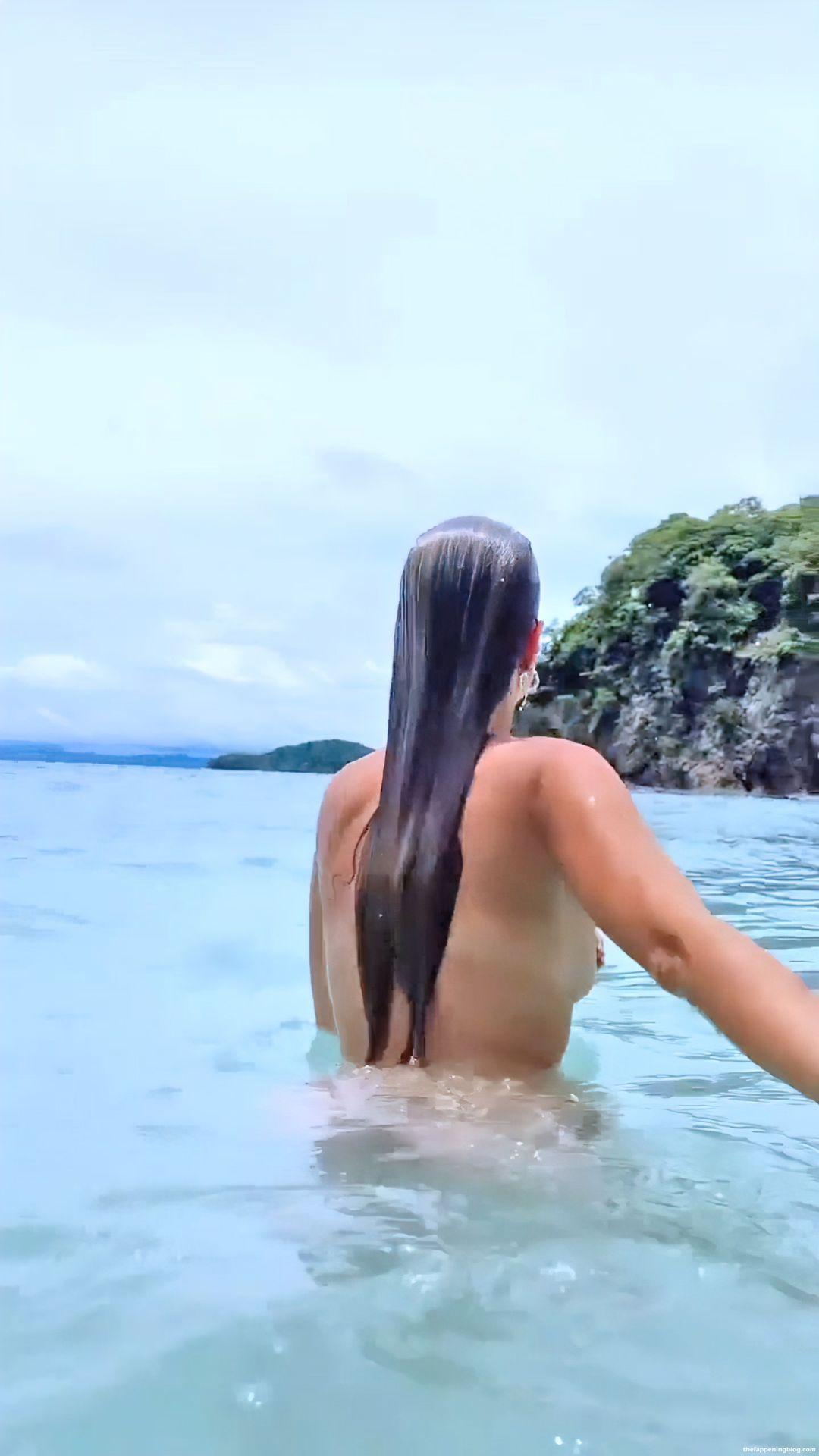 Kara-Del-Toro-Topless-Pics-4-thefappeningblog.com_.jpg